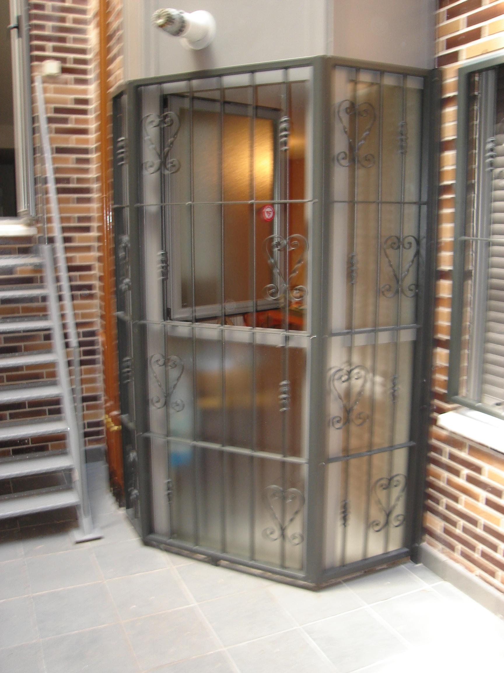 Cerramientos mvr cerrajeros - Puertas para cerramientos ...